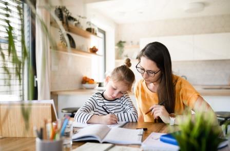Sonderbetreuungszeiten – innerhalb von sechs Wochen Antrag auf Förderung stellen
